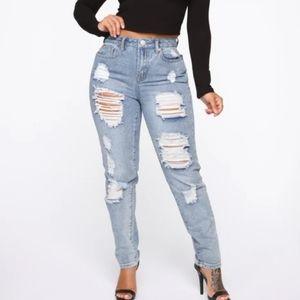 Fashion Nova NWT HighWaist Distressed Jeans Size 9